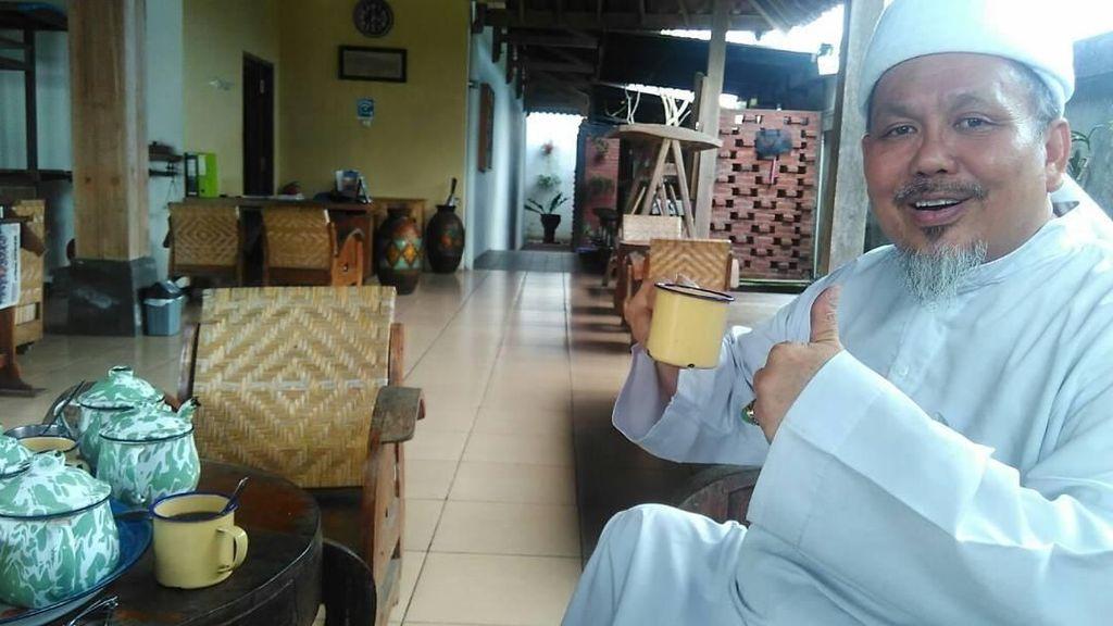 Kulineran Ustaz Tengku Zulkarnain yang Sempat Sebut Pemerintah Legalkan Zina