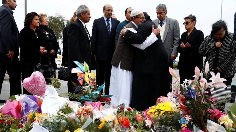 Tragedi Christchurch dan Tangis Polisi Muslim