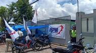 Aksi Buruh di Madiun Meluas ke Gudang Lain, Distribusi Barang Tertahan