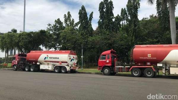 Mobil Tangki Pertamina yang Dibajak Diparkir Polisi di Monas