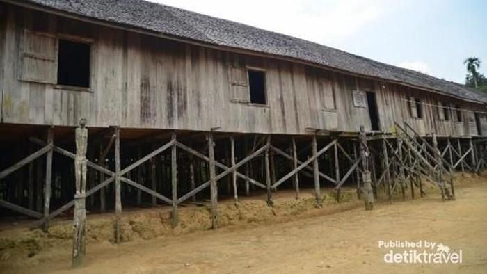 Rumah Betang di Kalimantan Tengah