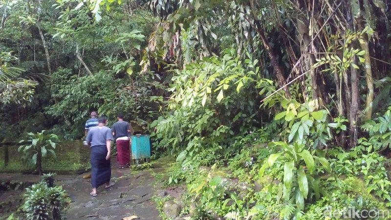 Gunung Muria di Kudus punya destinasi unik. Salah satunya adalah wisata Mata Air Tiga Rasa Rejenu, di Desa Japan, Kecamatan Dawe, Kabupaten Kudus (Akrom Hazami/detikcom)