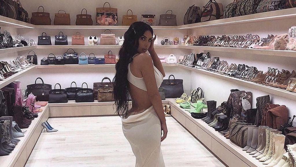 Mengintip Mewahnya Kamar Khusus Tas dan Sepatu Kim Kardashian