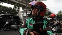 Hari Pertama PSBB di Jakarta, Driver Ojol Sedih