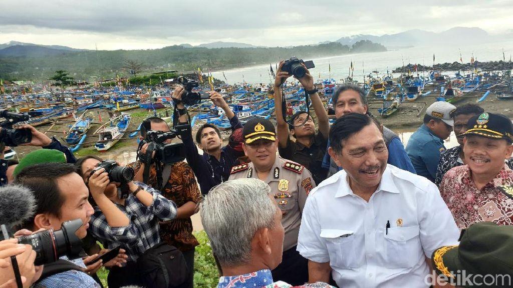 Datang ke Pantai Palabuhanratu, Luhut Dicurhati Nelayan