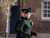 1. Kate Middleton Dikira Netizen Tak Pakai Bra Gara-gara Bajunya Ini