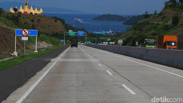 Tol exit menuju pelabuhan Bakauheni, cukup Instagramable