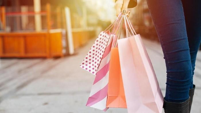 Ilustrasi shopping atau berbelanja. Foto: iStock