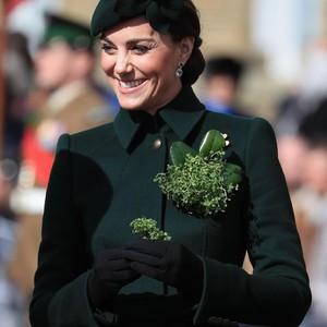 Kate Middleton Jalan-jalan Sendiri di Luar Istana, Netizen Twitter Heboh