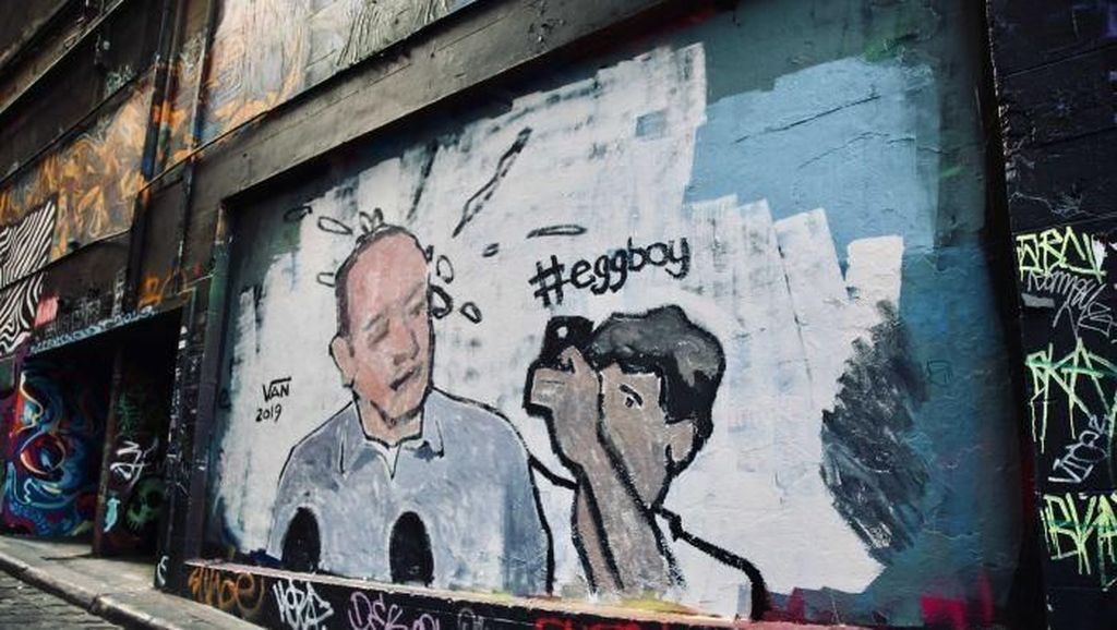 Si Egg Boy yang Lempar Senator Jadi Mural di Melbourne