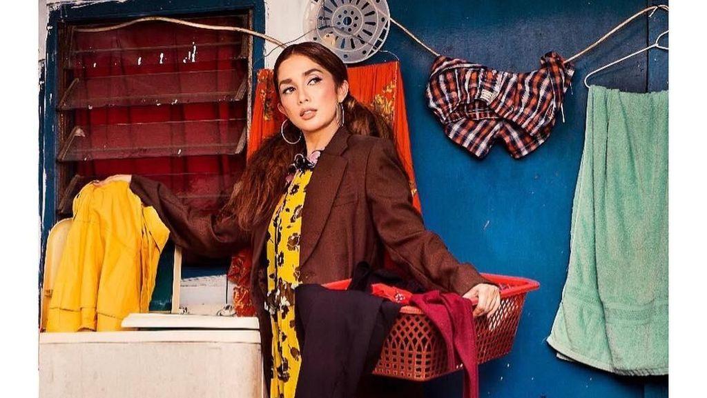 Gaya Mewah Ussy Sulistiawaty di Gang Sempit, Anak & Cucu Jokowi Fashion Show