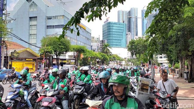Tarif baru ojek online berlaku di seluruh Indonesia/Foto: Amir Baihaqi