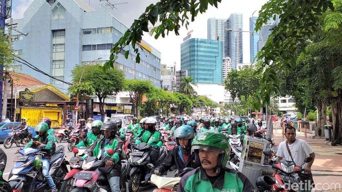 Demo Ojek Online di Surabaya/Foto: Amir Baihaqi
