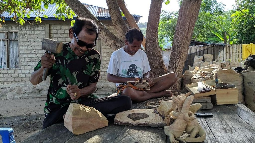 Cerita 4 Presiden Terpukau Patung Buatan Warga Komodo