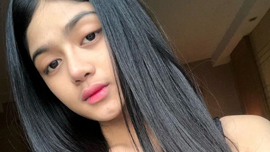 Melihat Pesona Model Seksi yang di-DM Vicky Prasetyo