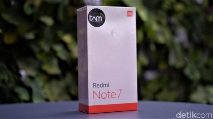 Redmi Note 7 dicap sebagai ponsel gaib. (Foto: Adi Fida Rahman/detikINET)
