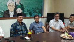 Diskusi Akal Sehat Rocky Gerung di Tuban Ditolak Sejumlah Ormas