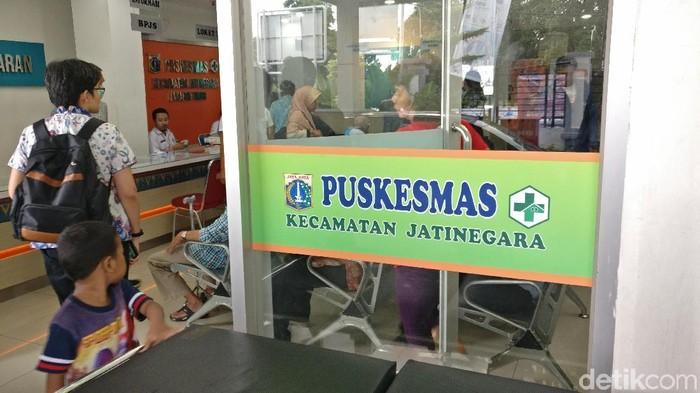 Direktur Regional WHO Asia Tenggara mengunjungi puskesmas di Jakarta. (Foto: Firdaus Anwar/detikHealth)