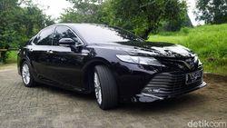 Toyota: Pejabat Kekinian Pakainya Camry Hybrid