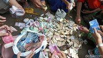 Di Rumah Pemulung Ini Ditemukan Uang Rp 35 Juta dan 22 Gram Emas