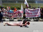 Setahun Berselang, Massa Tuntut Aktivis Penolak PT RUM Dibebaskan