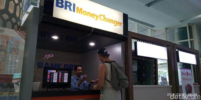 Money Changer Bank BRI di Bandara Komodo. Foto: Bank BRI