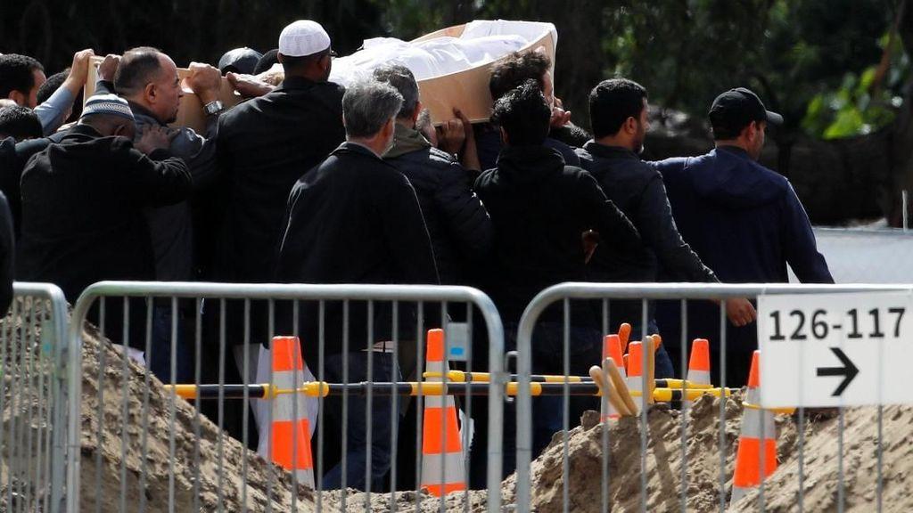 Korban Penembakan di Masjid Christchurch Dimakamkan