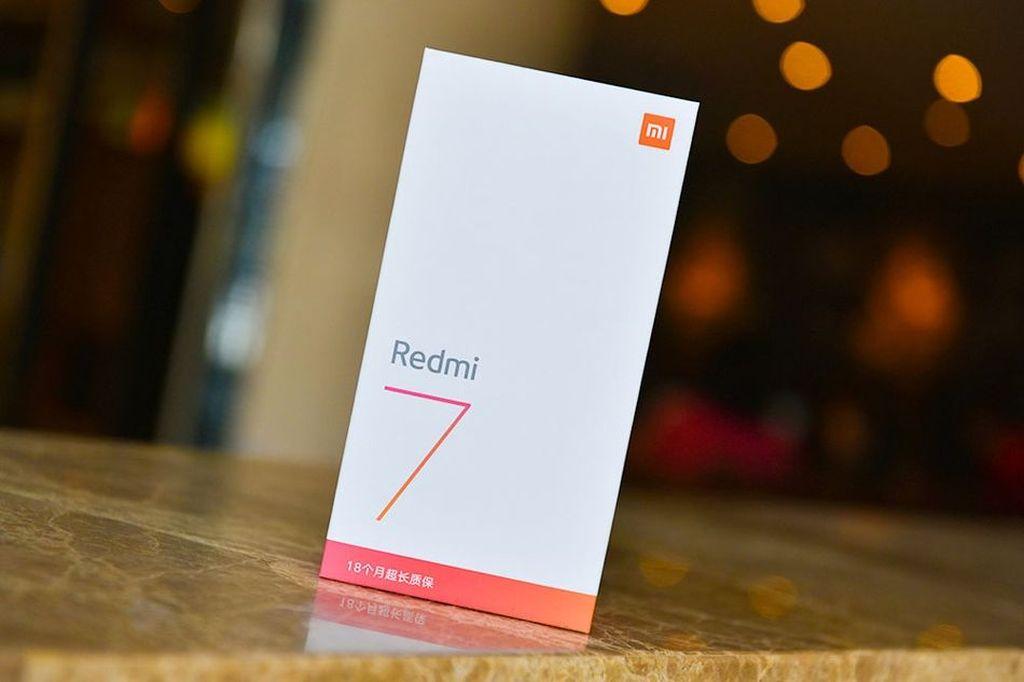 Selain di China, Redmi 7 kemungkinan besar akan dirilis di Indonesia. Pasalnya ponsel ini sudah lolos TKDN Kemenperin. Foto: Sina Mobile