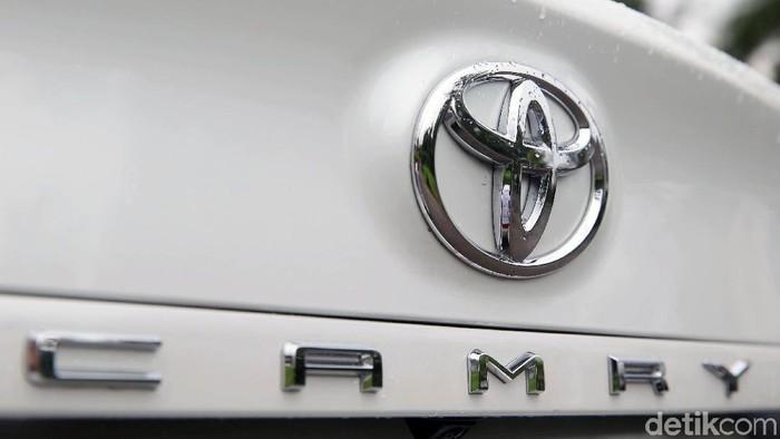 Tim detikoto berkesempatan melakukan review mobil sedan terbaru dari Toyota, All New Camry, beberapa waktu lalu.