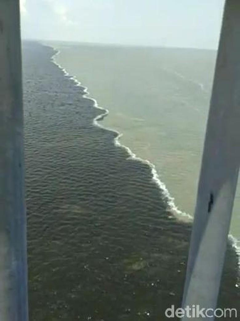 Air Laut Seperti Terbelah di Suramadu Adalah Halocline, Apa Itu?