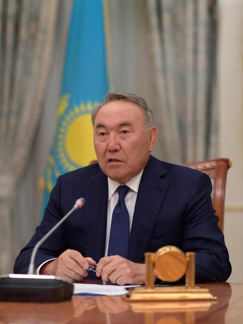 30 Tahun Berkuasa, Presiden Kazakhstan Akhirnya Mengundurkan Diri