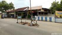 Waspada Jalan Berlubang di Ponorogo, Kedalamannya 1,5 Meter