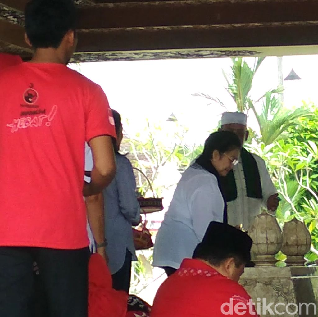 Megawati Ziarah ke Makam Bung Karno