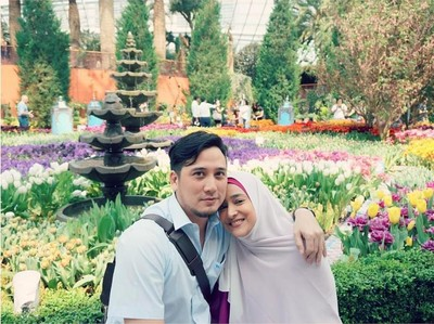 Menikah 20 Tahun, Kemesraan Cindy Fatika Sari-Firman Tetap Awet