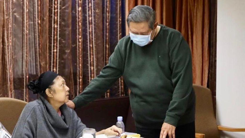 Doakan Ani Yudhoyono Lekas Sehat, Rhoma Irama Persembahkan Lagu Ani