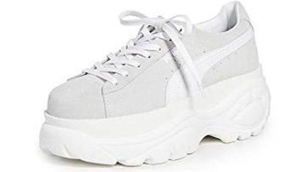 Tak Harus Pakai High Heels, 5 Sneakers Keren Ini Bisa Bikin Kamu Lebih Tinggi
