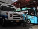 Bus-bus Jadul Rayu Pengunjung Jiexpo Kemayoran