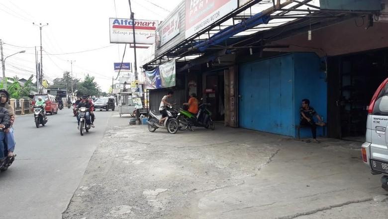 Polisi-Lurah Operasi Yustisi Buru Pengeroyok Tukang Pecel Lele di Bekasi