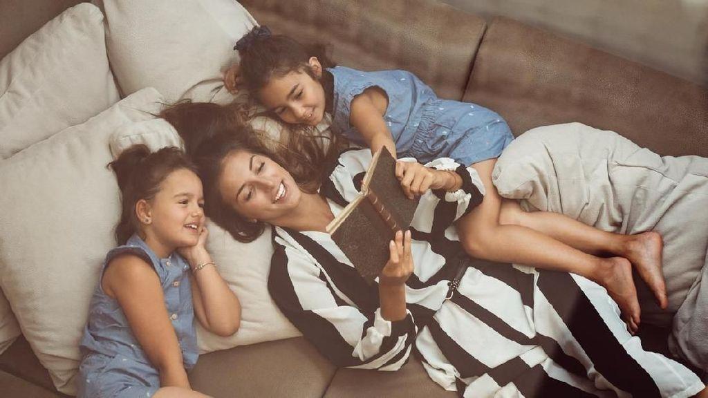 5 Manfaat Mendongeng untuk Anak