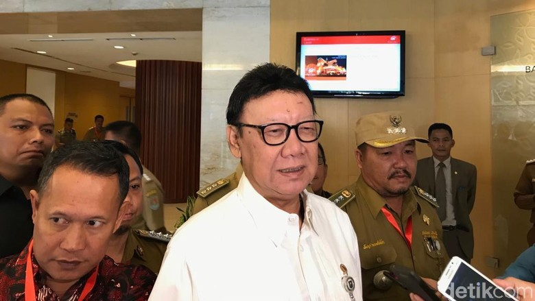 Prabowo Sindir Pembangunan Indonesia Timur, Mendagri: Kurang Lihat TV