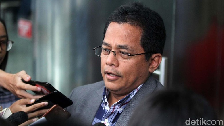 KPK Kembali Periksa Sekjen DPR Terkait Suap DAK Kebumen