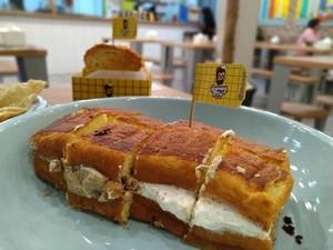 Hangout Murah Meriah di Akhir Bulan dengan Aneka Roti Bakar