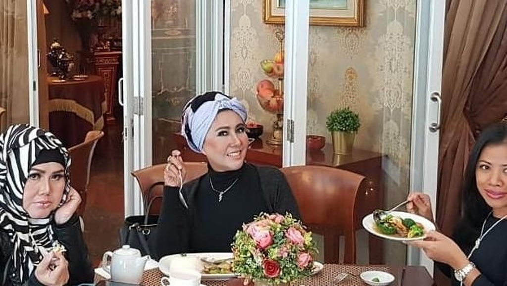 Intip Momen Kulineran Tessa Mariska yang Tengah Ribut dengan Nikita Mirzani