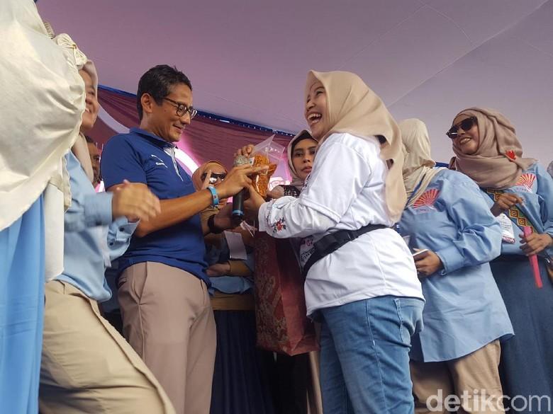 Sandi di Kampung Melayu: OK OCE Sumbang Rp 359 M untuk Ekonomi DKI