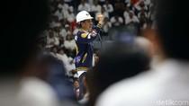 Pakai Helm Proyek, Jokowi Hadiri Deklarasi 10.000 Pengusaha