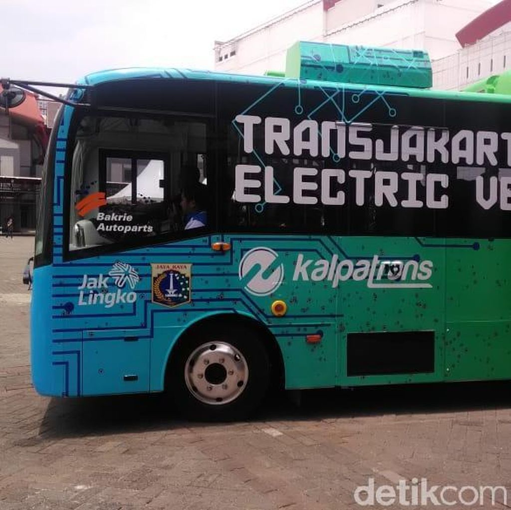 Transjakarta Tidak Akan Beli Bus Listrik China