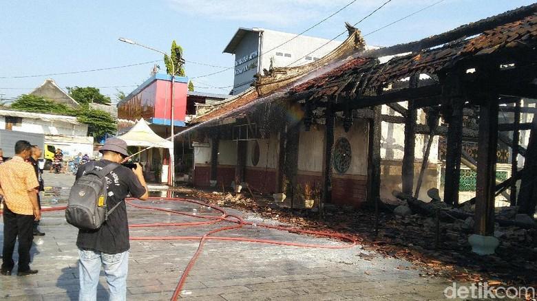Kebakaran di Kompleks Kelenteng Tay Kak Sie Diduga Akibat Korsleting