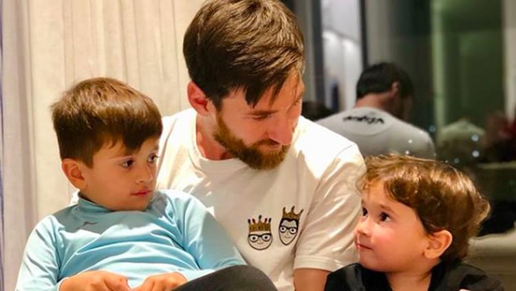 Sweet! Potret Kebersamaan Lionel Messi dan Anak-anaknya