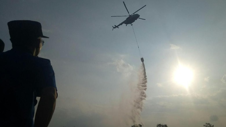 Polda Sumsel Autopsi Jasad Teknisi Heli Water Bombing Asal Rusia