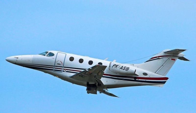 Usut punya usut, pesawat jet pribadi jenis Hawker Beechcraft Premier 1A PK-ASB merupakan produkan British Aerospace yang berasal dari Inggris (Hawker Pacific)